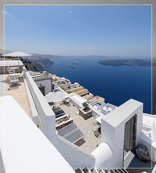 Krokos and gorgona villas caldera apartments for Villas vista suites